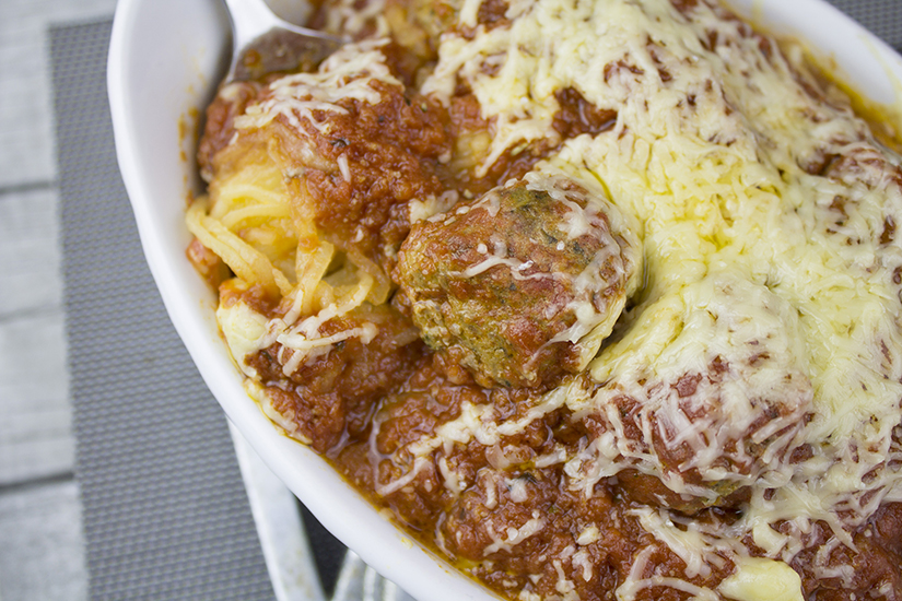 A spaghetti squash, a jar of sauce, a pound of meat and BAM—hunger satisfied, Italian style!: http://bit.ly/spametbls